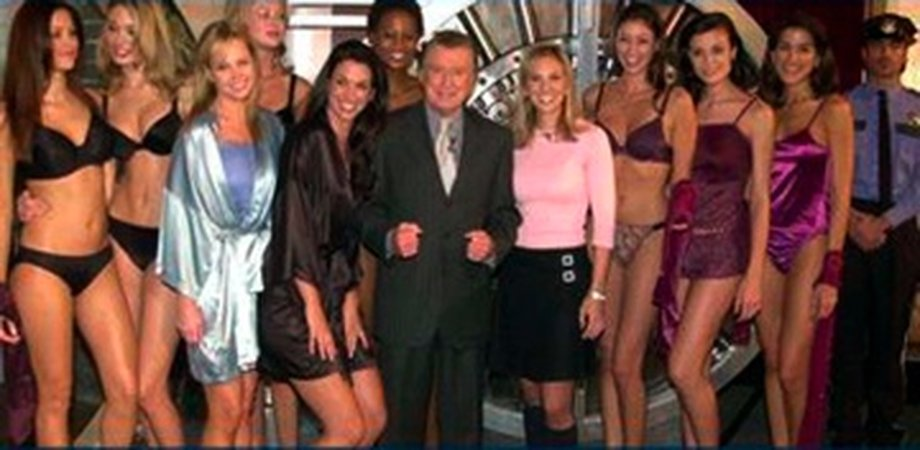 Regis Philbin, Elizabeth Hasselbeck backstage, Hanes